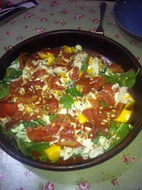 Creamy chicken, prosciutto and mango salad
